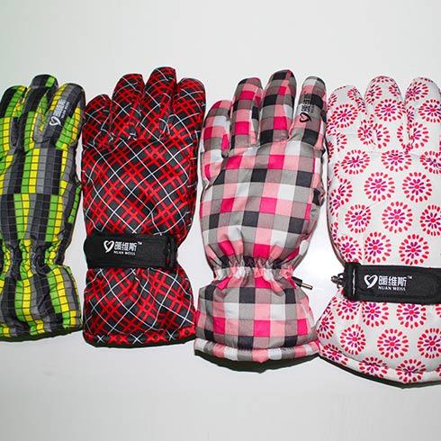 暖维斯自发热空调手套