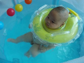 婴儿游泳馆加盟的发展前景如何