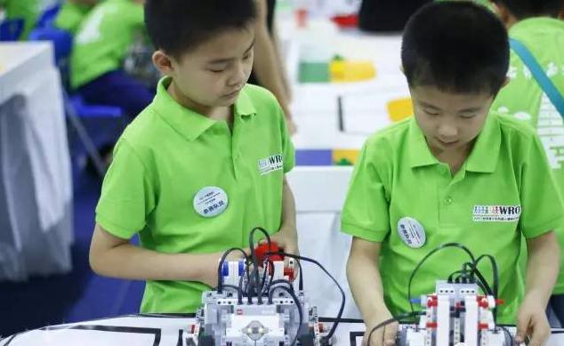 机器人机教育